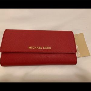 Michael Kors Wallet - never uses
